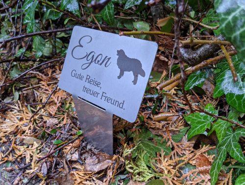 Gedentafel aus Edelstein für Tiere